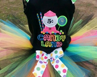 Candyland birthday outfit!!! Comes with ruffled tank tutu and matching bow.
