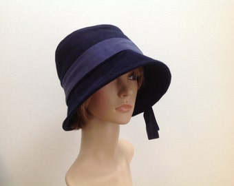 Blue 1920s inspired cloche hat, size 58 to 60 cm