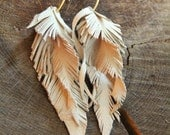 S leather feather  earrings BISJOUX : pure