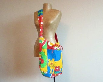 Large reversible hobo bag with pockets. Shoulder bag with funny cat print, red, blue and yellow. Upcycled recycled repurposed market bag.