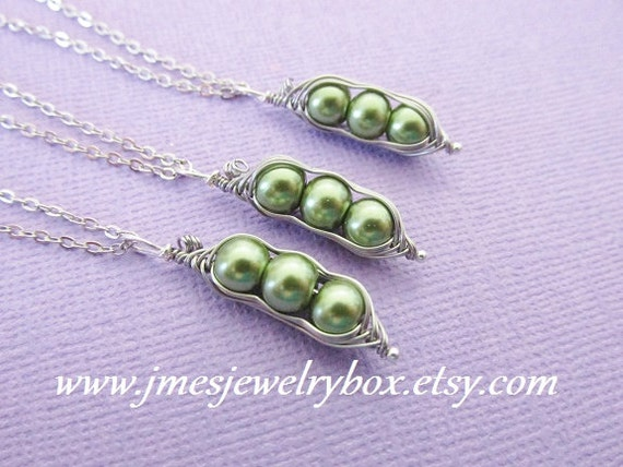 three peas in a pod best friend necklace set green