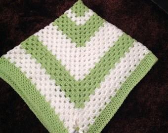 Apple Gren And White Blanket
