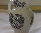 Cream Pitcher with Face on Spout by Royal Worcester  from 1951 [L06]