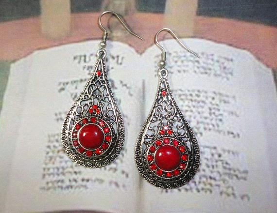 Red Howlite Filigree Earrings, Gothic Earrings, Red Earrings, Vampire, Lolita Earring, Filigree Earrings, Gemstones, Gothic, Wiccan