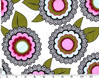 1 Yard, Large Flowers on Cream Brother Sister Design Studio B34-WM-P06