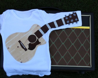Wood Grain Acoustic Guitar with Single Cutaway Outfit