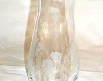 """Etched Crystal Vase with Daffodil Floral Motif 7"""" Tall"""