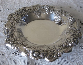Lunt Silver Candy Bowl Grapes Design