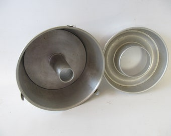 Vintage Aluminum Bunt Pan and Round Pan, Cake pan