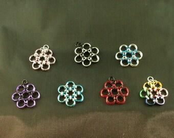 Maru flower pendants