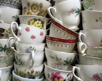 Job lot of 25 Pretty Vintage Tea Cups NO SAUCERS - ideal for Tea parties