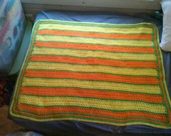 baby blanket , crib blanket,  afghan,  stroller  blanket,  afghan. Lot 115