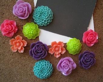 Push Pin Set, Thumbtacks, 12 pcs, Mixed Colors, Bulletin Board Tacks, Wedding Favors, Gifts, Housewarming Gift