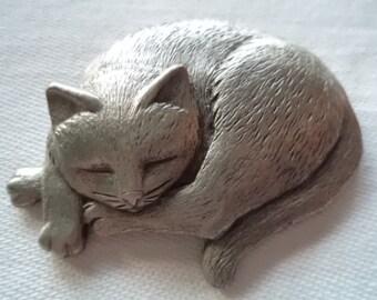 Vintage Signed JJ  Silver pewter Sleeping Cat Brooch/Pin