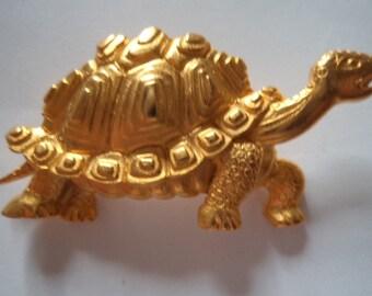 Vintage Signed JJ  Goldtone Tortoise Brooch/Pin
