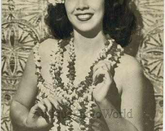 Vehiari hula dancer beautiful woman antique photo Hawaii
