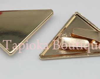 light gold triangle metal bar (branding plate) x 1pc (39mm x 30mm) use in front of bag / purse metal hardware, accessories etc..