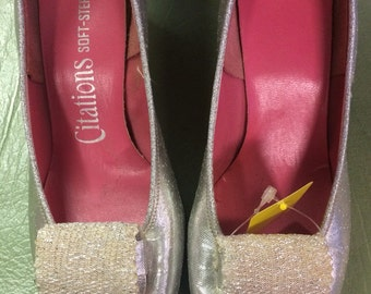 Vintage 60's silver metallic heels with front center applique square toe size 7