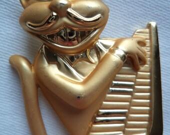 Vintage AJC Goldtone/Matt Piano Cat Brooch/Pin