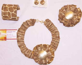 Set necklace in loincloth printed