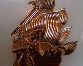 Disney Captain Hook ship - large gold tone brooch
