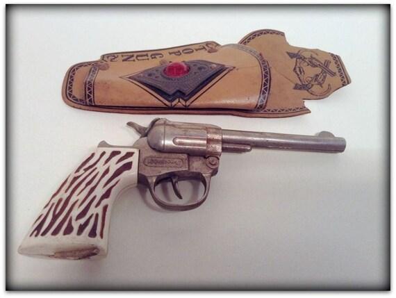Cap Gun Top : Vintage hubley cap gun with top holster