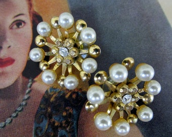 Vintage Gold & Pearl Post Earrings