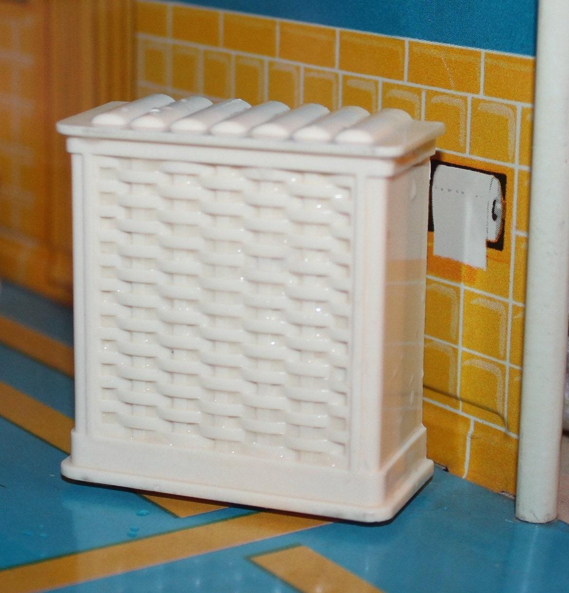 Marx Plastic Dollhouse Furniture Old Hard Plastic Bathroom