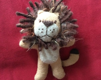 King of the Pocket!  Hand-sewn felt Pocket Lion
