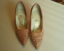 1950s 1960s Fabulous Pink Vintage Cut Away Fabric Design High Heels Size 6 Med Leather Soles Dance shoes