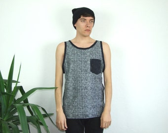 Men's grey patterned tank-top with black pocket