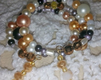 Beautiful Gold and White Beaded Memory Wire Bracelet (I 311)