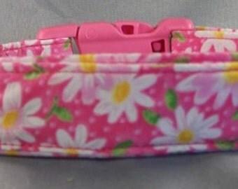 Little Daisy Flowers on Hot Pink Dog Collar