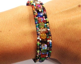 Confetti Beaded Bracelet-Magnetic Clasp Bracelet Guatemala (Multicolor) (003B)