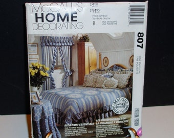 McCalls Home Decorating Pattern Bedroom Essentials Projects