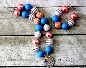Cinderella chunky bead bubblegum necklace and bracelet set blue pink white princess Disney Birthday bubblegum matching bracelet set