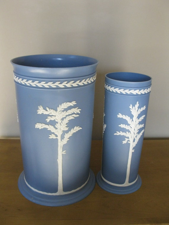 Fesco Inc Wedgwood Blue Vanity Waste Basket And Toilet Brush