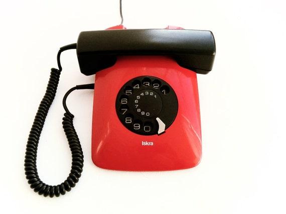 design awards rotary telefon vintage red phone moma iskra. Black Bedroom Furniture Sets. Home Design Ideas