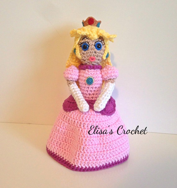 Amigurumi Patterns Nintendo : Princess Peach Nintendo Amigurumi doll