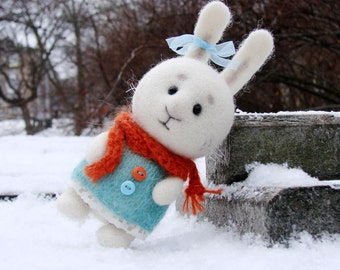 Needle felted Little HARE. Woollen White BUNNY. TOY. Soft Sculpture. Miniature.
