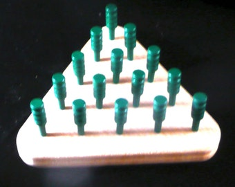 Pegs Solitaire - a jump and remove game