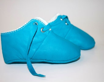 12-18 Months Slippers / Baby Shoes Lamb Leather blue clair