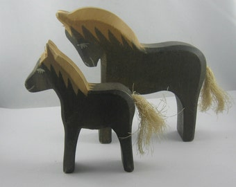 Original OSTHEIMER wood animals (marked). Wooden toys. 2 horses (11.5 cm and 10 cm H). RARITIES. VINTAGE
