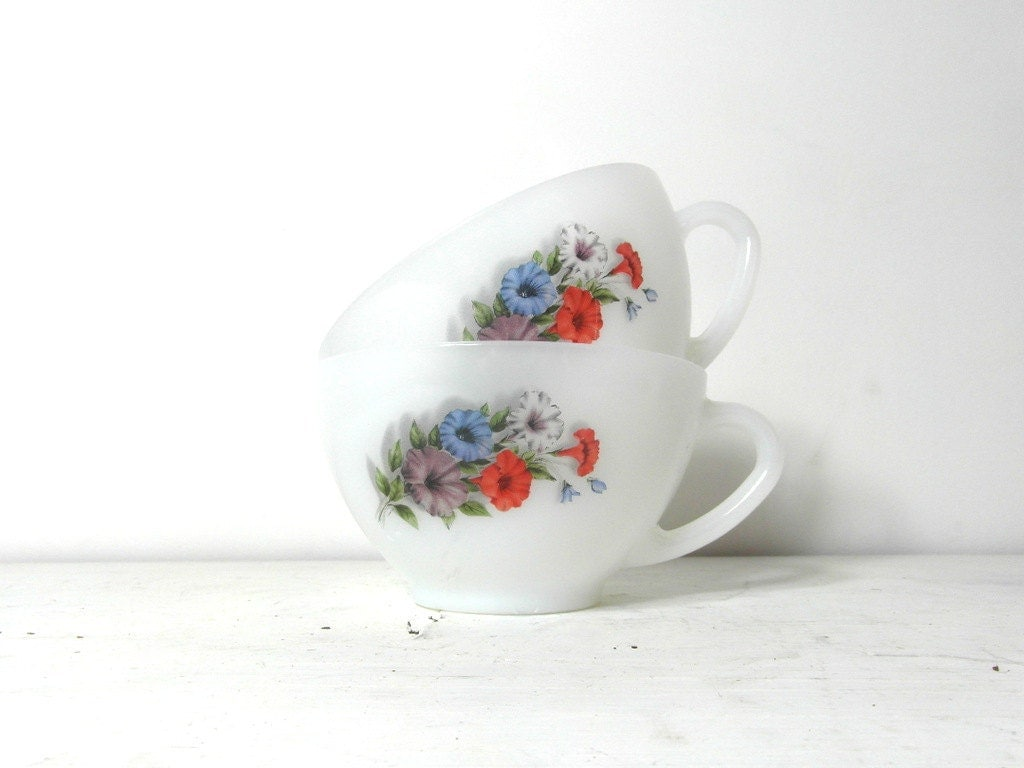 Arcopal latte cups. white milk glass with flower. French vintage ...