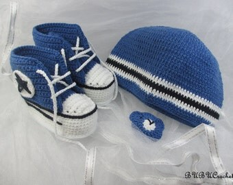 Crochet Baby Boy Hat and Sneakers Set, Crochet Converse Set, Baby Boy Hat and Booties, Newborn to 3-6 mos, Blue baby set