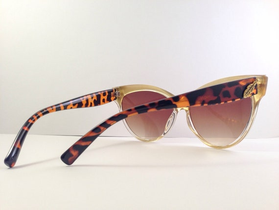 Tortoise Cateye Sunglasses with Gold Frames Vintage by ...