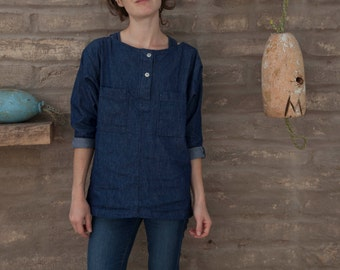SALE 30%off - XS Artist smock shirt #5 / henley tunic in denim chambray / sleeved scoop neck with buttons / extra small