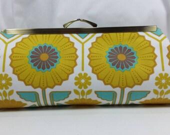 Sunflower clutch, wedding clutch, evening clutch, satin purse, yellow flower, fabric clutc, wedding purse, fabric purse, flower bag