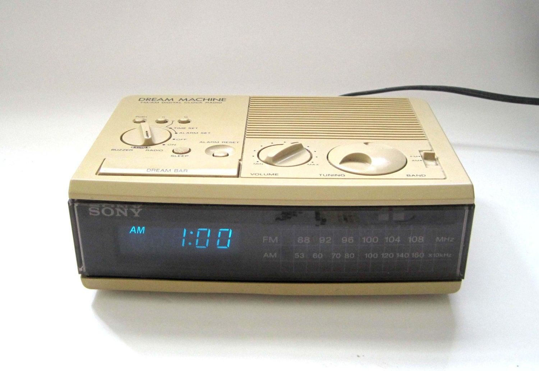 vintage sony dream machine digital clock radio fm am alarm. Black Bedroom Furniture Sets. Home Design Ideas