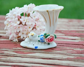 Small vase-made in occupied Japan-porcelin vase